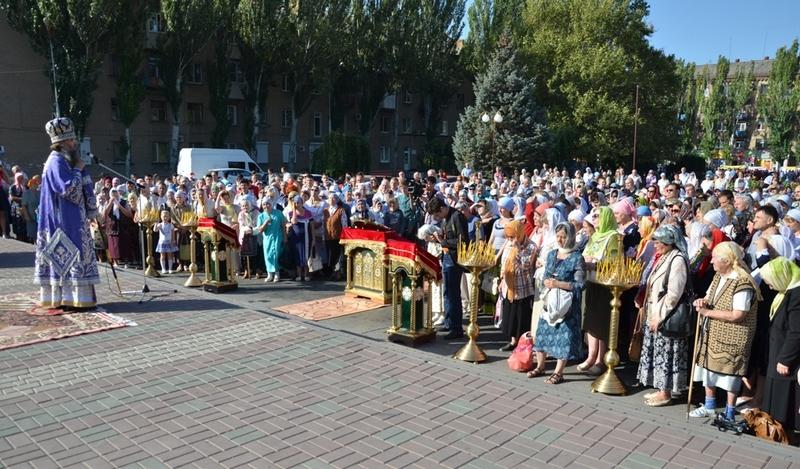 Интернациональная Божественная литургия на центральной площади города Мелитополя (27.09.2015)