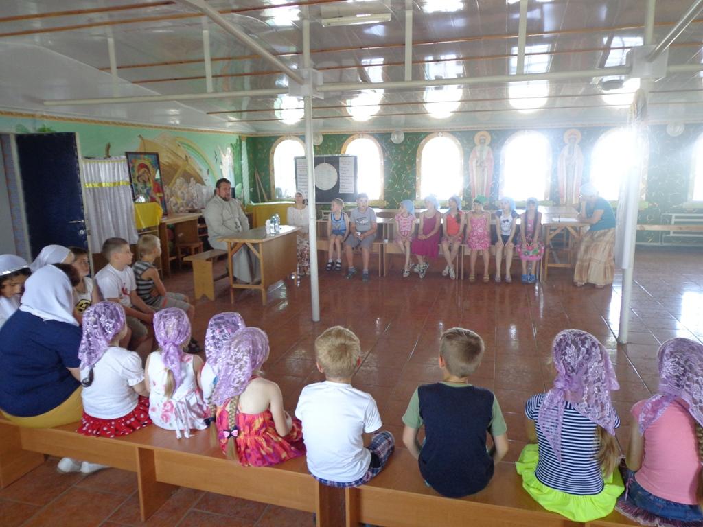 В Мелитополе открылся детский лагерь при монастыре св. Саввы Освященного