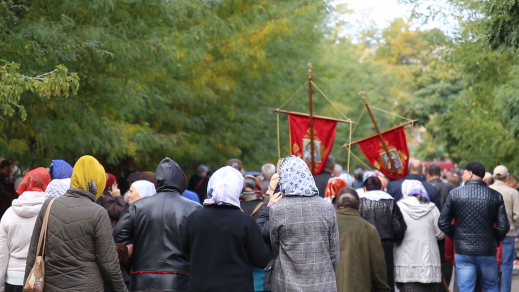 Крестный ход в дни празднования Покрова Пресвятой Богородицы