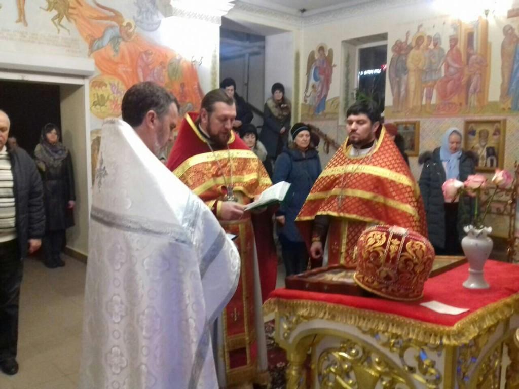 В Мелитопольских храмах на Новый Год, были совершены богослужения и вознесены молитвы о новолетии. (31.12.2017)