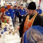 Благочинный города Мелитополя, поздравил сотрудников супермаркета «Сельпо» с Пасхой Христовой.