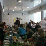 Благочинный г. Мелитополя посетил торжественное городское мероприятие посвященное Дню Матери.