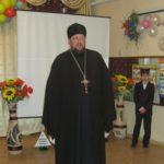 Благочинный города Мелитополя поздравил детей детского приюта со Всемирным днем ребенка.
