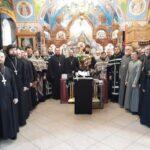 Священнослужители Мелитопольского благочиния собором духовенства совершили таинство Елеосвящения для духовенства Мелитопольского городского и районного благочинного округа.