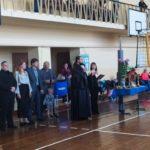 Священник Мелитопольского благочиния благословил турнир по волейболу в память о Валентине Поповой.